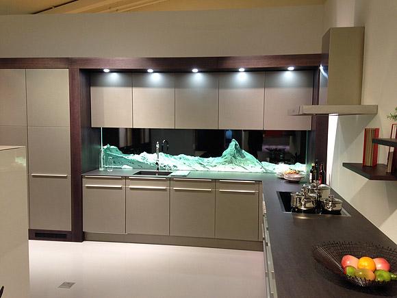 panorama k chenr ckwand aus glas. Black Bedroom Furniture Sets. Home Design Ideas